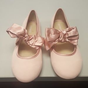 Girls pink with satin bow size 4 ballet flat